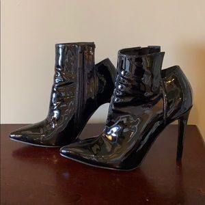 NWOT Kendall & Kylie Patent leather booties.